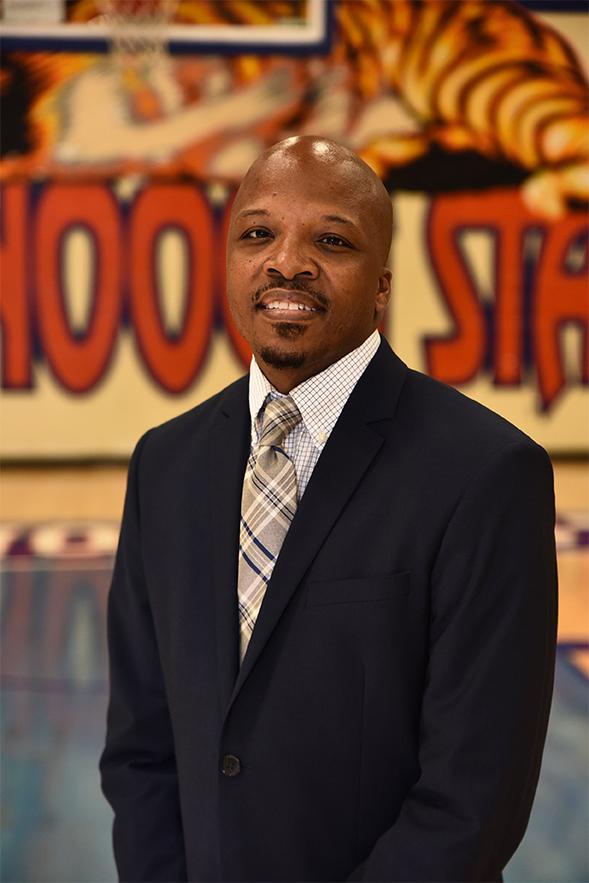 Coach Travis Glover