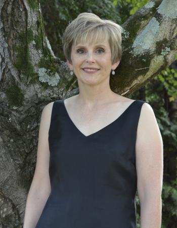Headshot of Christine Hassevoort